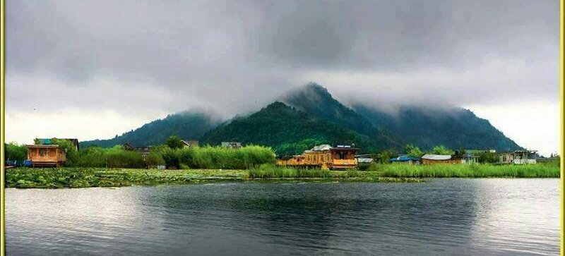 Houseboat Khan Palace, Srinagar, India